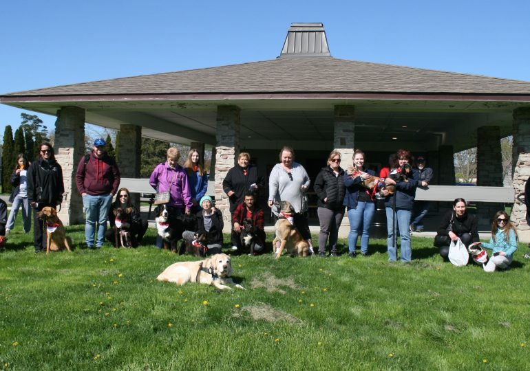 """Hagersville dog walkers help give """"a new leash on life"""""""