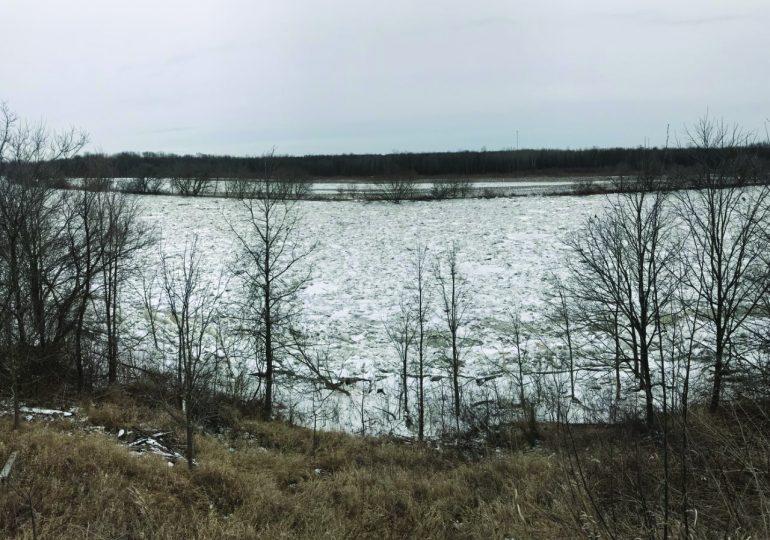 Winter weather brings ice to Haldimand