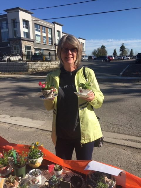 HSS plant sale held on beautiful, sunny day