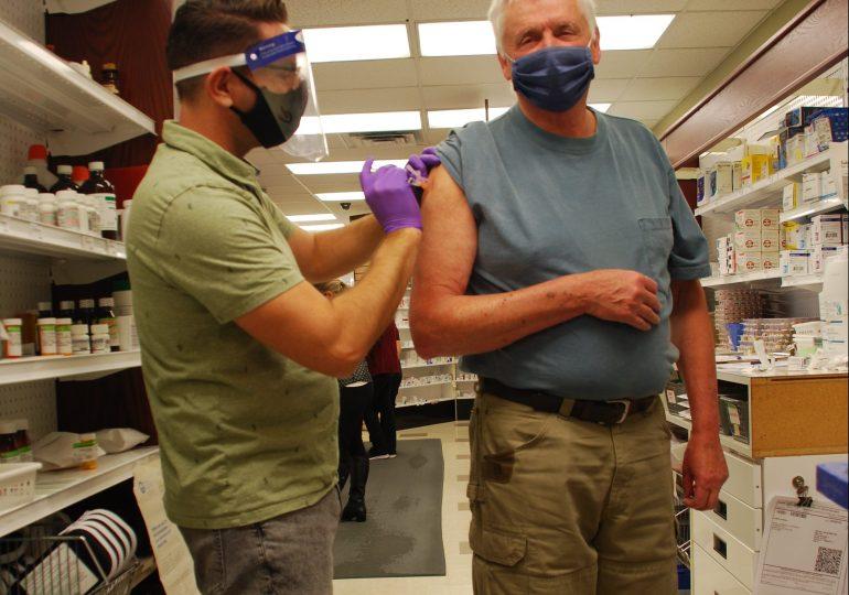 MPPToby Barrett gets his flu shot