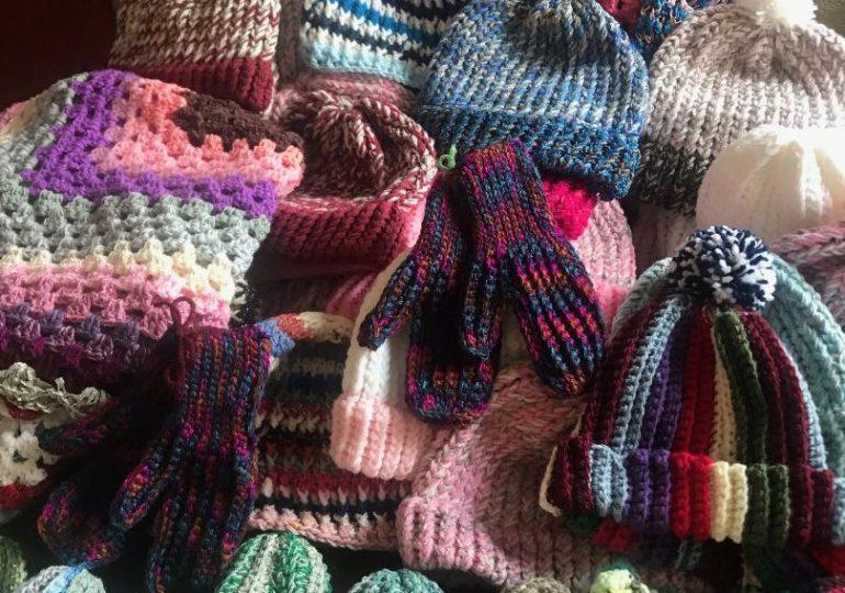 Cayuga crafters help warm up Haldimand